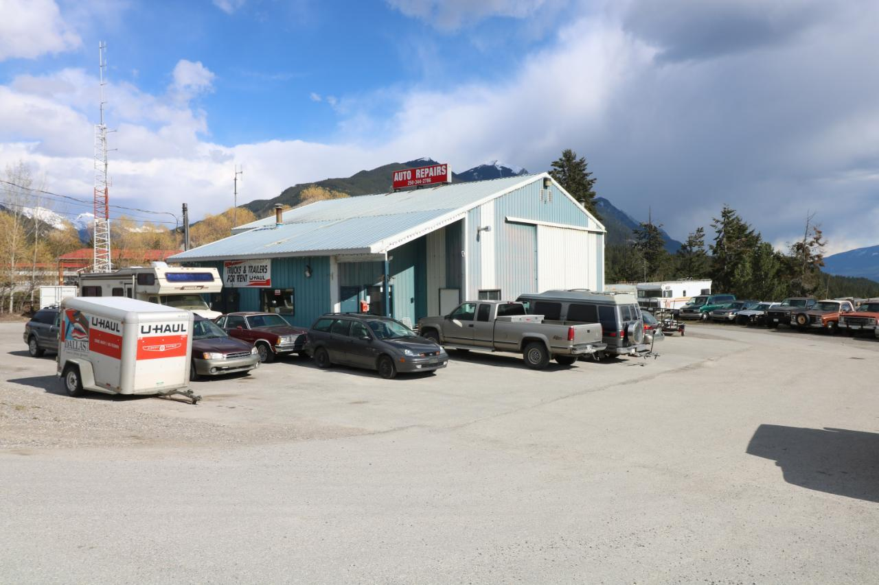1402 Golden View Road, Golden, British Columbia  V0A 1H0 - Photo 13 - 2461003