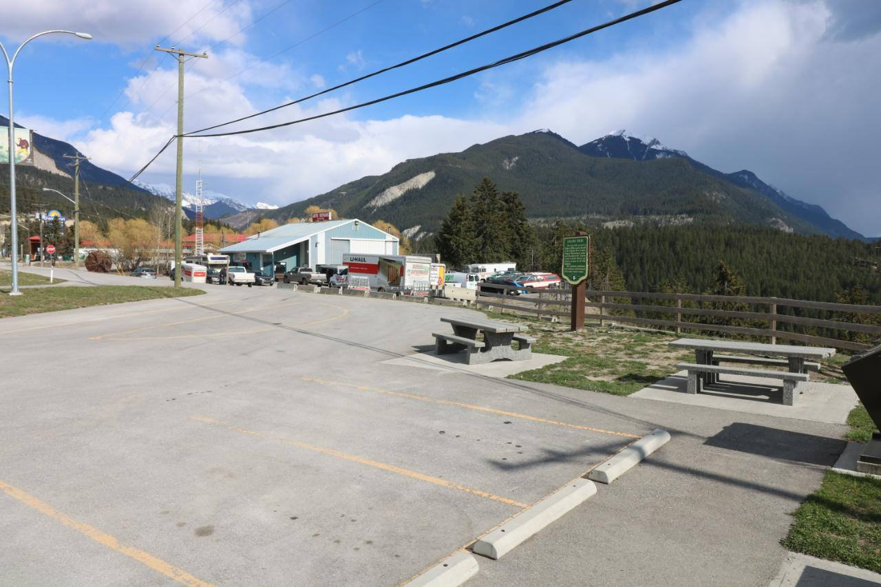 1402 Golden View Road, Golden, British Columbia  V0A 1H0 - Photo 24 - 2461003